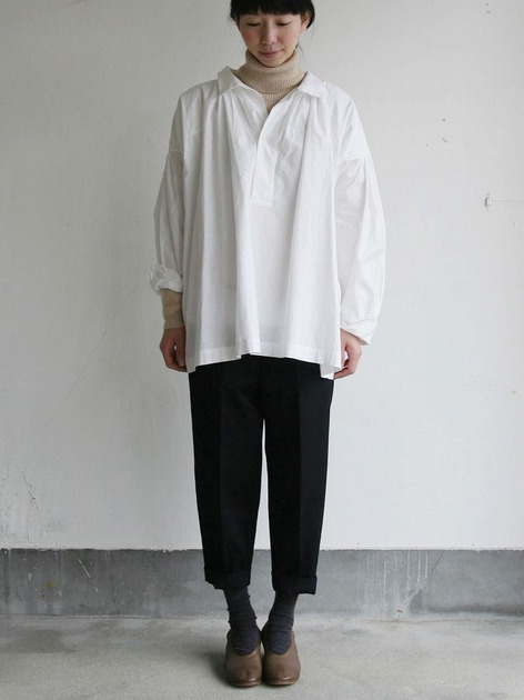 Roll collar gather blouse medium/Big tapered pants 2