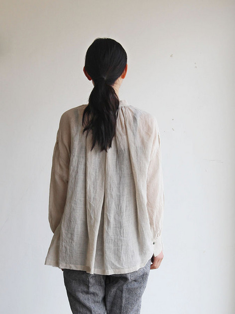 String gather blouse/ Tapered pants 4
