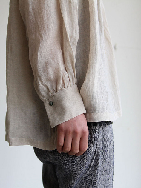 String gather blouse/ Tapered pants 5