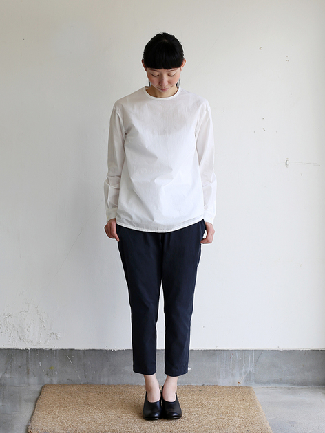 Crew neck slip on blouse / Simple easy tapered pants / Doll slippers Ⅳ 2