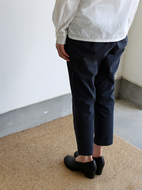 Crew neck slip on blouse / Simple easy tapered pants / Doll slippers Ⅳ 5