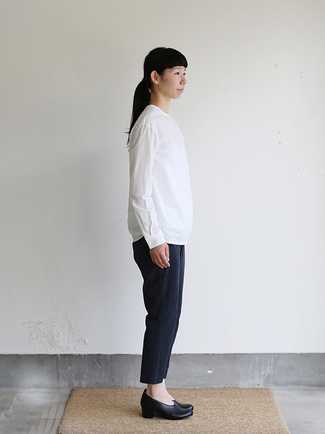 Crew neck slip on blouse / Simple easy tapered pants / Doll slippers Ⅳ 3