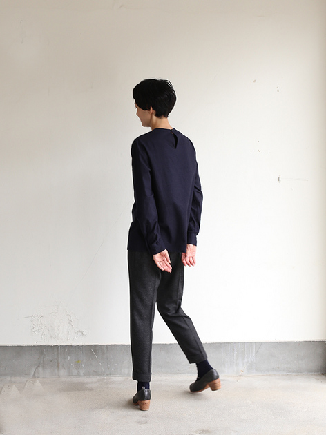 Crew neck slip on blouse / New tapered pants~yak 3
