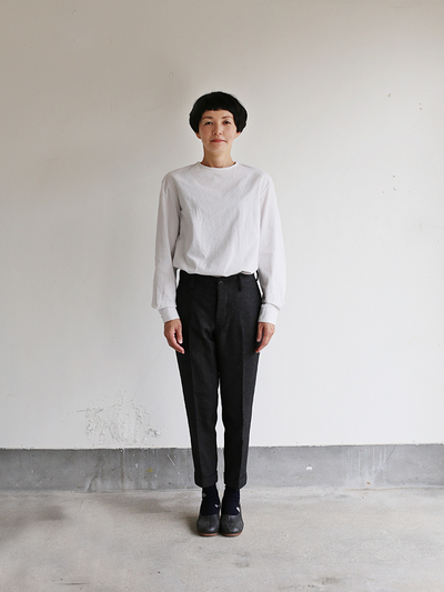 Crew neck slip on blouse / New tapered pants~yak 2