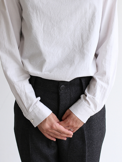 Crew neck slip on blouse / New tapered pants~yak 4