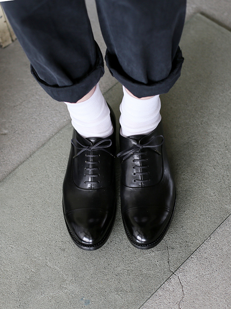 Cap toe shoes 3