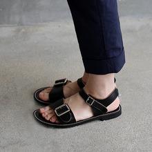Big buckles sandal