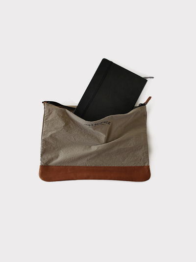 Combi pouch ~nyron 4