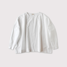 Shoulder button big slipon blouse 【SOLD】