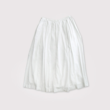 Box tuck skirt
