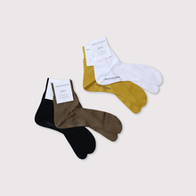 Plain tabi socks 2