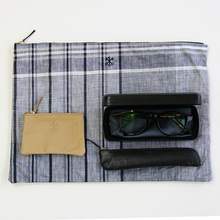 Pouch L~crazy check linen